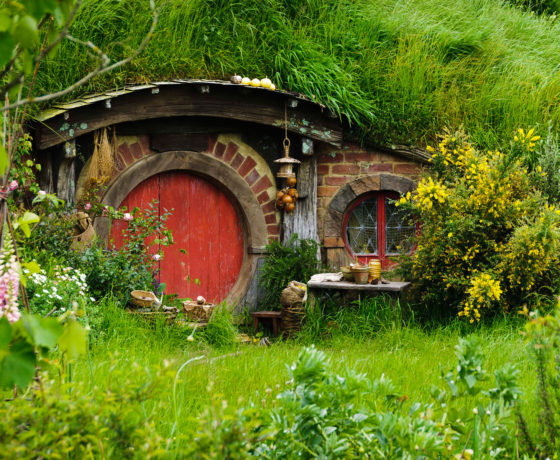 red hobbit hole NZ